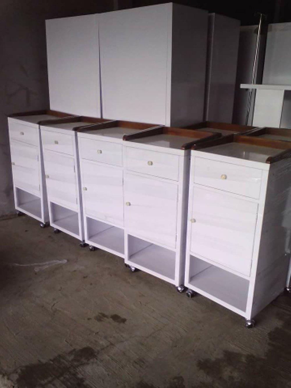 Bed Side Cabinet Besi Meja Pasien