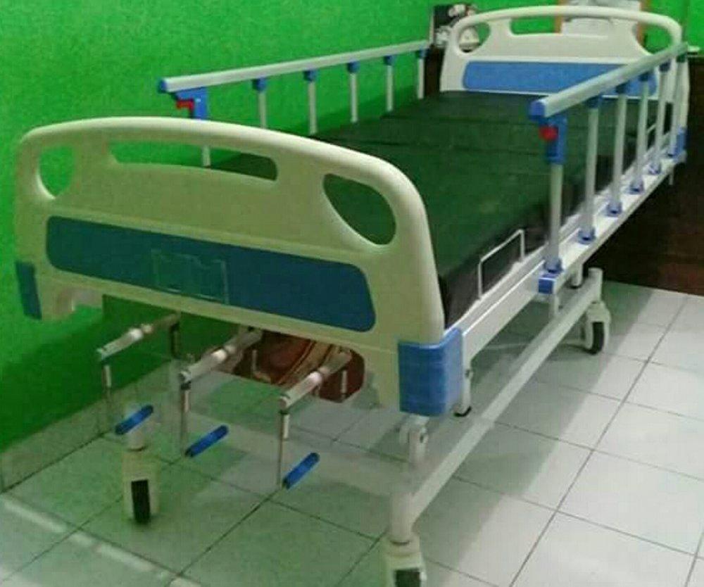 Bed Ranjang Pasien 3 Crank Tempat Tidur RS Engkol